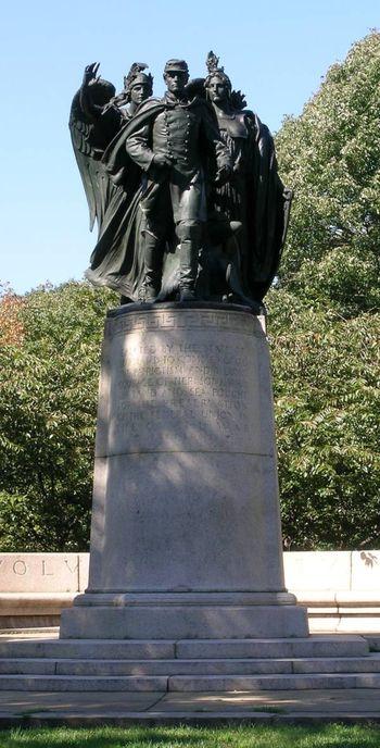 Monument_29_Baltimore_Charlesand29th